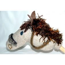 Käpphäst - ullstrumpa, grå med brun-röd man